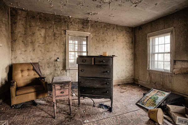 inside-abandoned-house-photos-old-room-life-long-gone-gary-heller